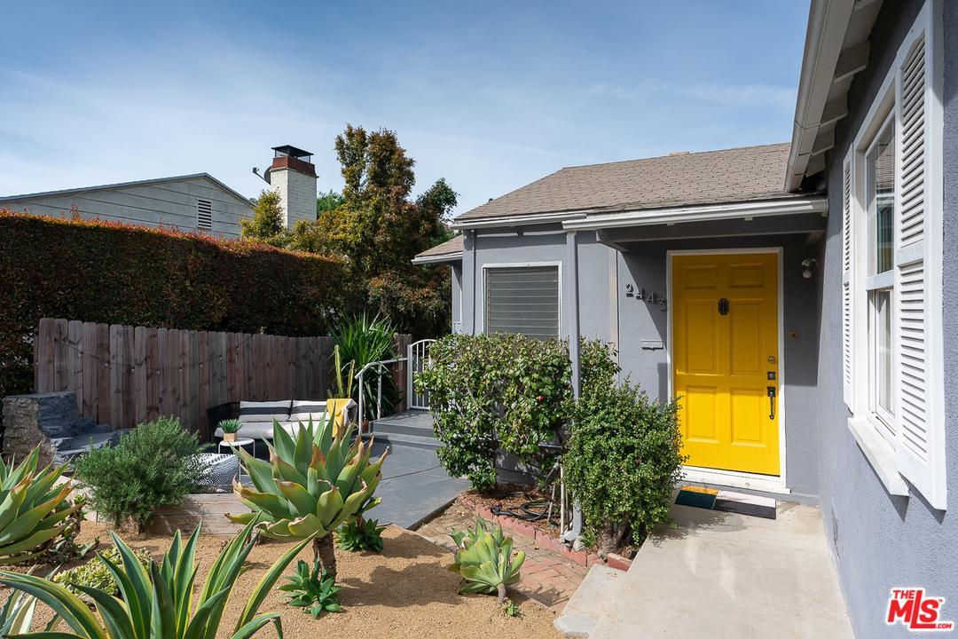2443 Meadow Valley Terrace Los Angeles, CA 90039