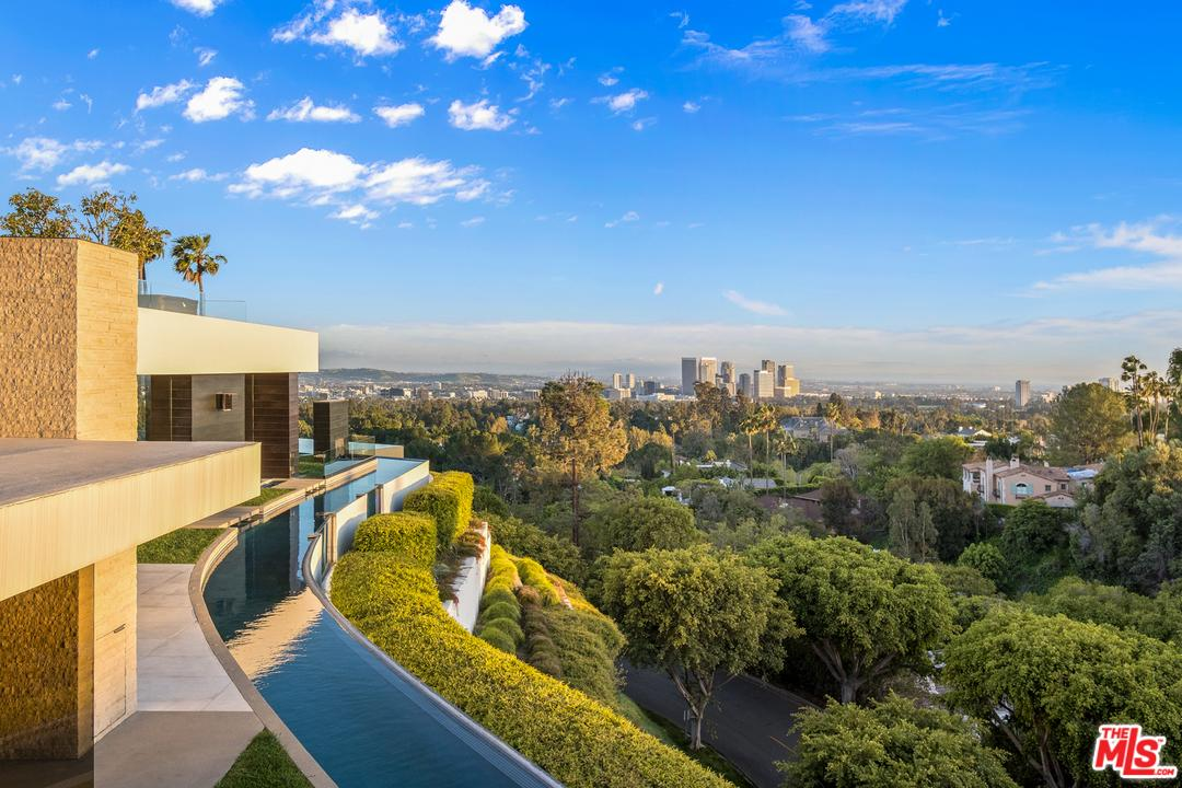 1201 LAUREL Way, Beverly Hills, California