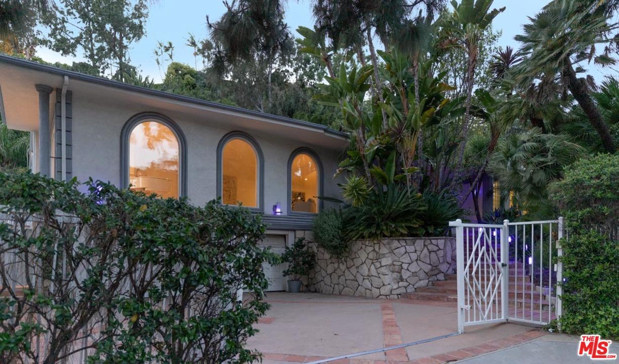 1043 LOMA VISTA Drive, Beverly Hills, California