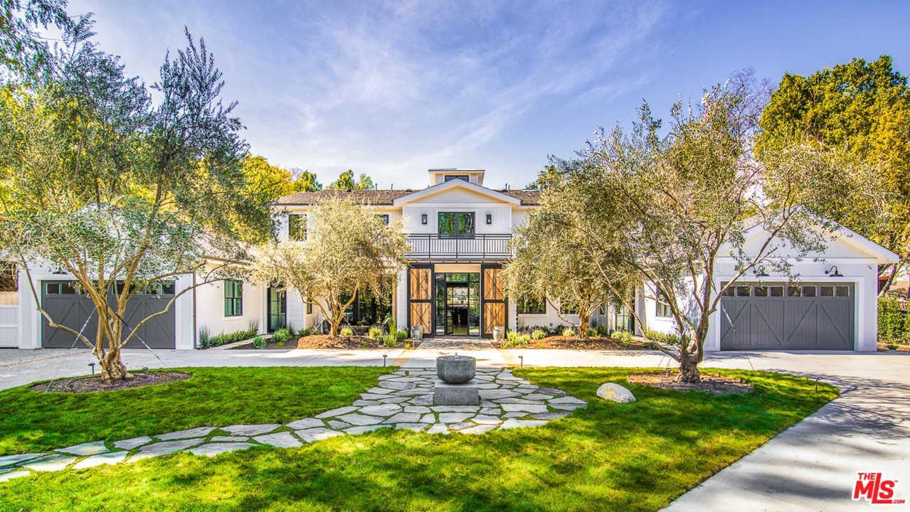 4701 Balboa Avenue Encino, CA 91316