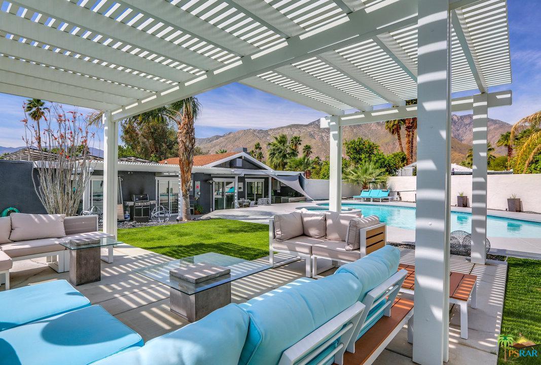 1162 East El Escudero Palm Springs, CA 92262