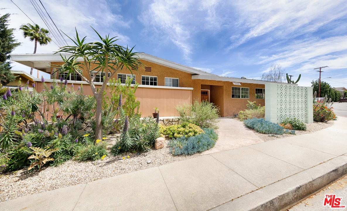 3906 Stoneview Drive Culver City, CA 90232