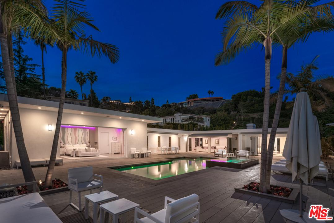 515 ARKELL Drive, Beverly Hills, California