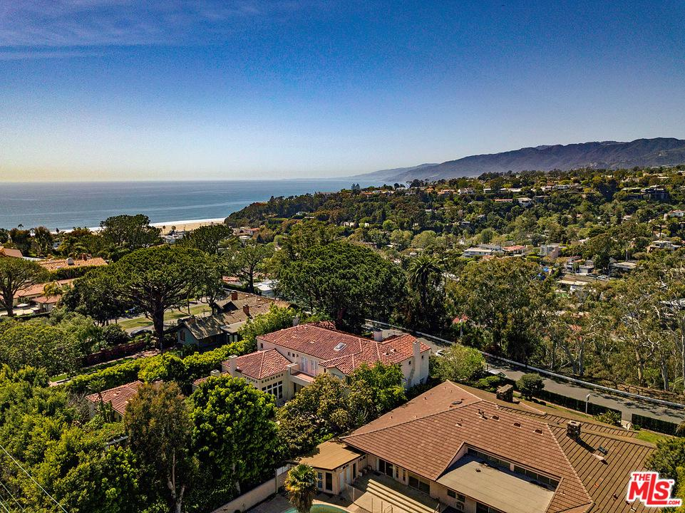 430 ADELAIDE Drive, Santa Monica, California