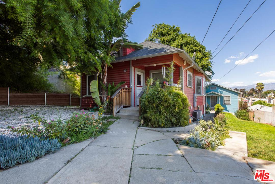 2247 Aaron Street Los Angeles, CA 90026