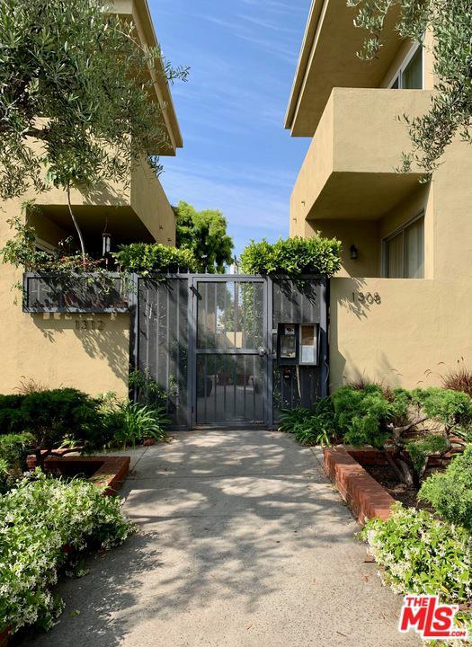 1312 Berkeley Street Santa Monica, CA 90404