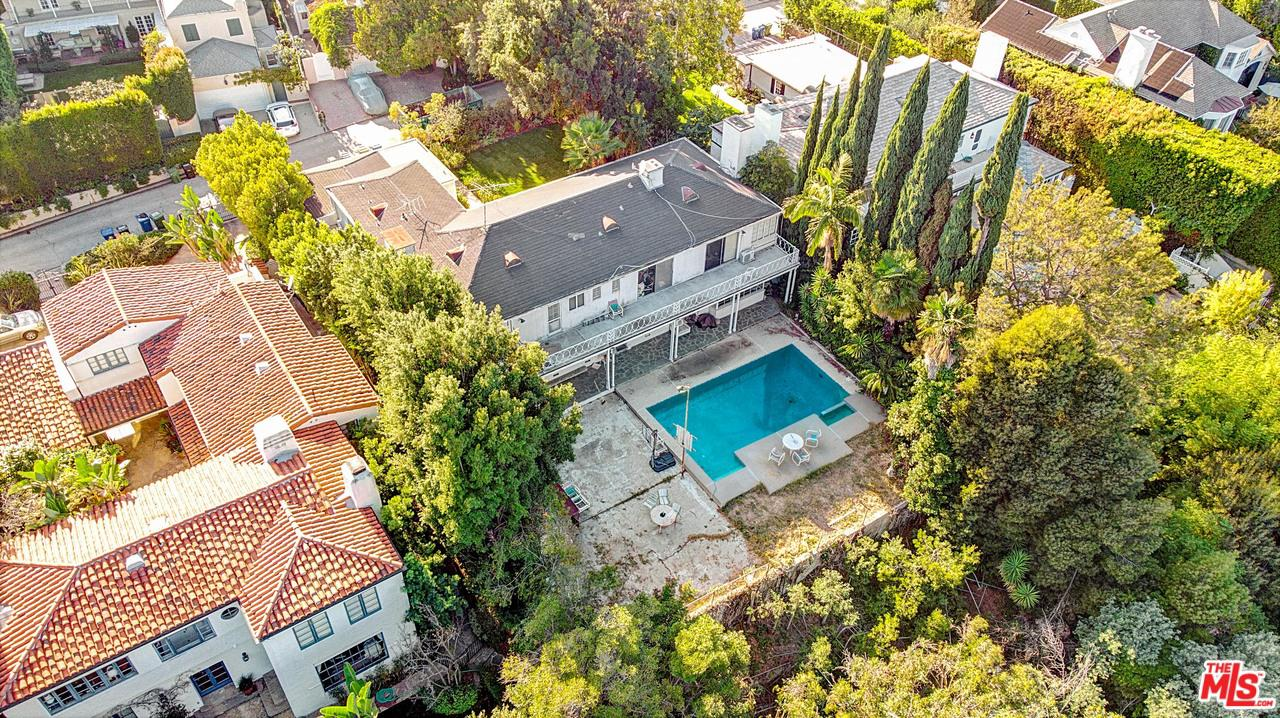 854 Birchwood Drive Los Angeles, CA 90024