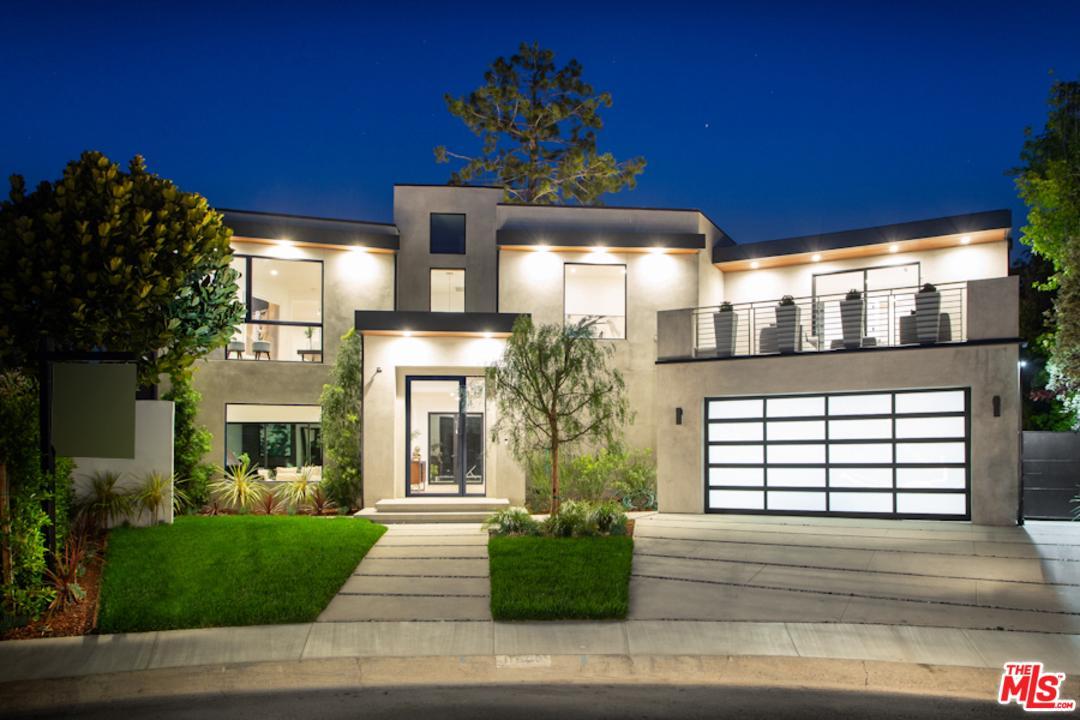 Cul de Sac property for sale at 11900 WESTMINSTER Place, Mar Vista California 90066