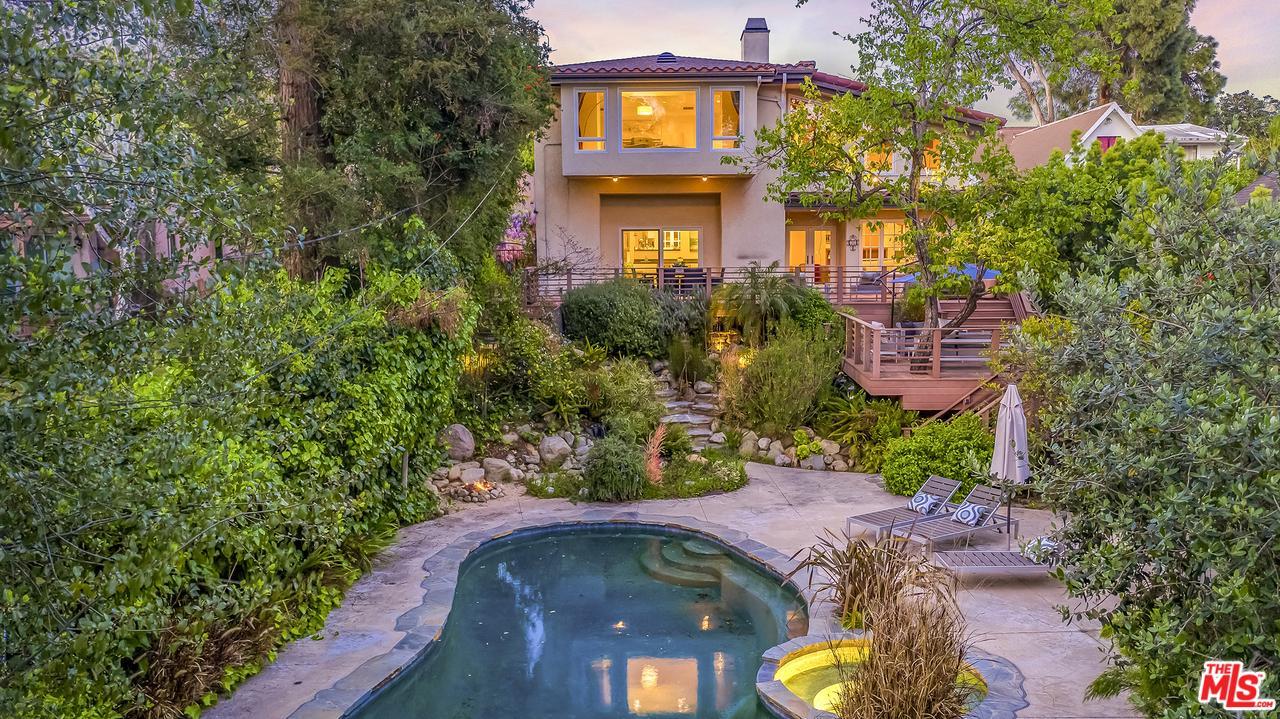 1033 Wellesley Avenue Los Angeles, CA 90049