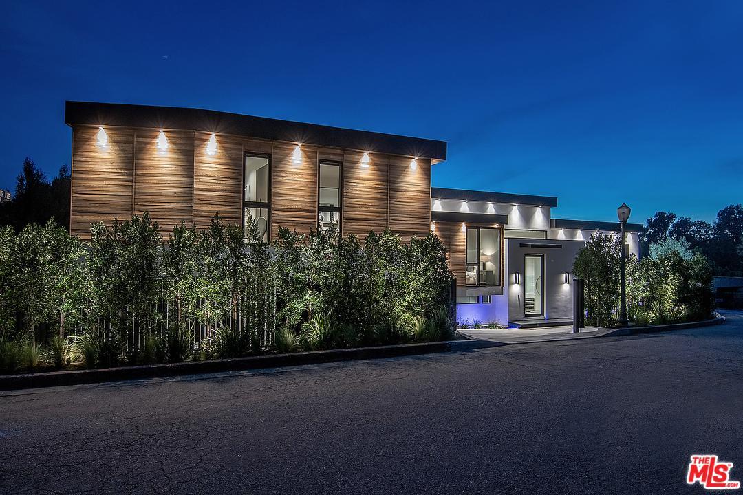 12002 Benmore Terrace Los Angeles, CA 90049