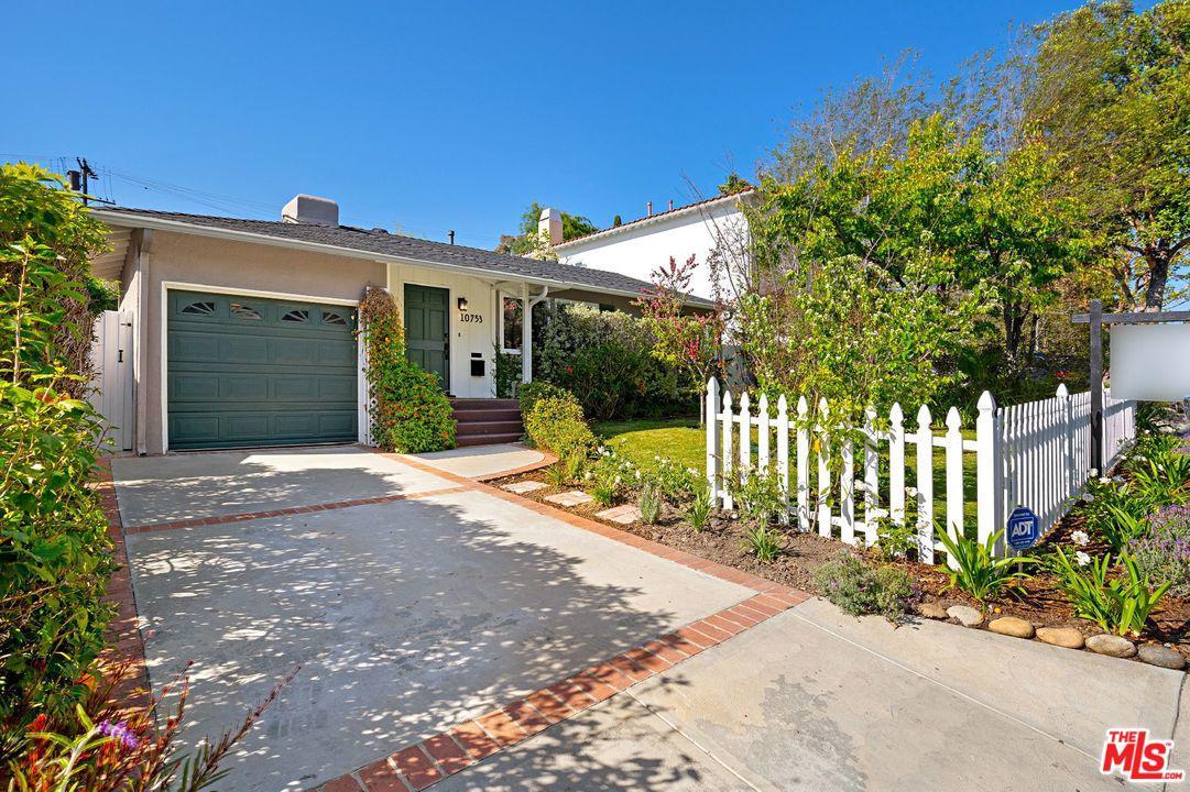 10753 Queensland Street Los Angeles, CA 90034