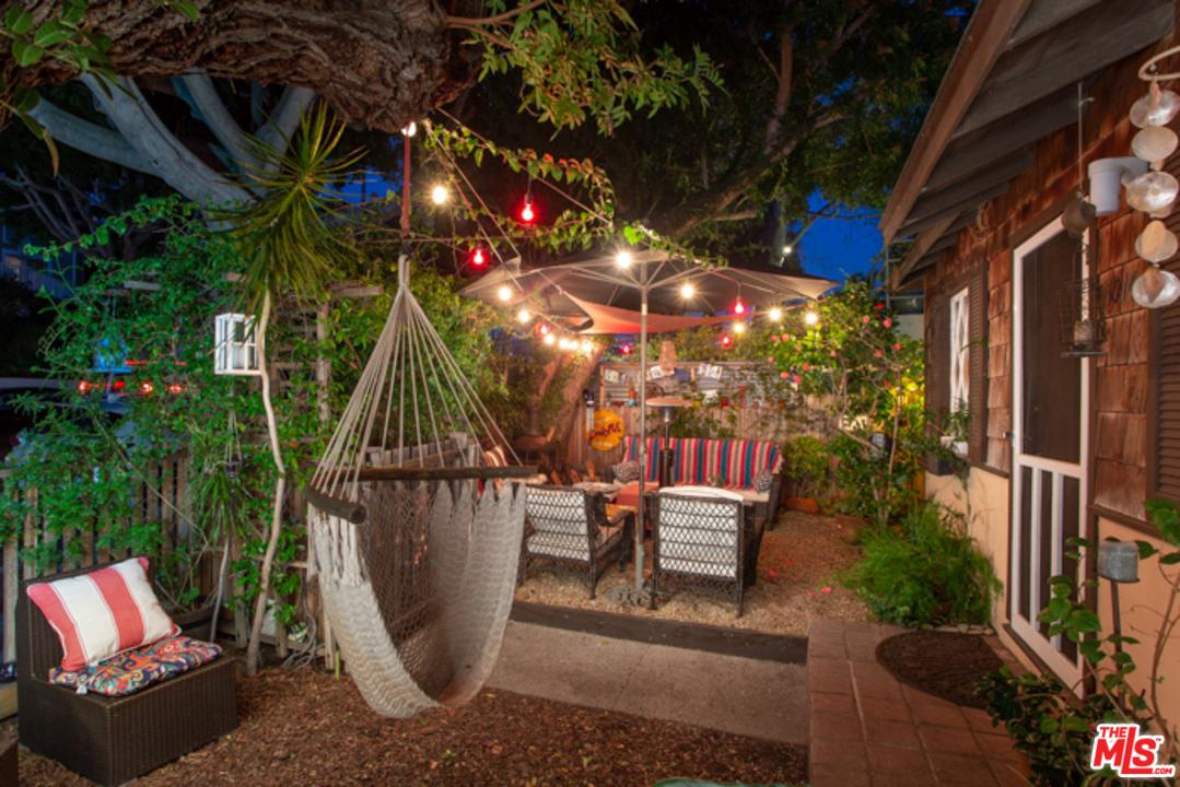 One of Single Story Santa Monica Homes for Sale at 1014 PIER Avenue