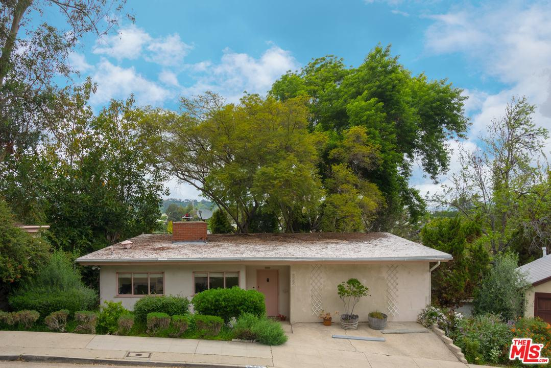 2755 Lakewood Avenue Los Angeles, CA 90039