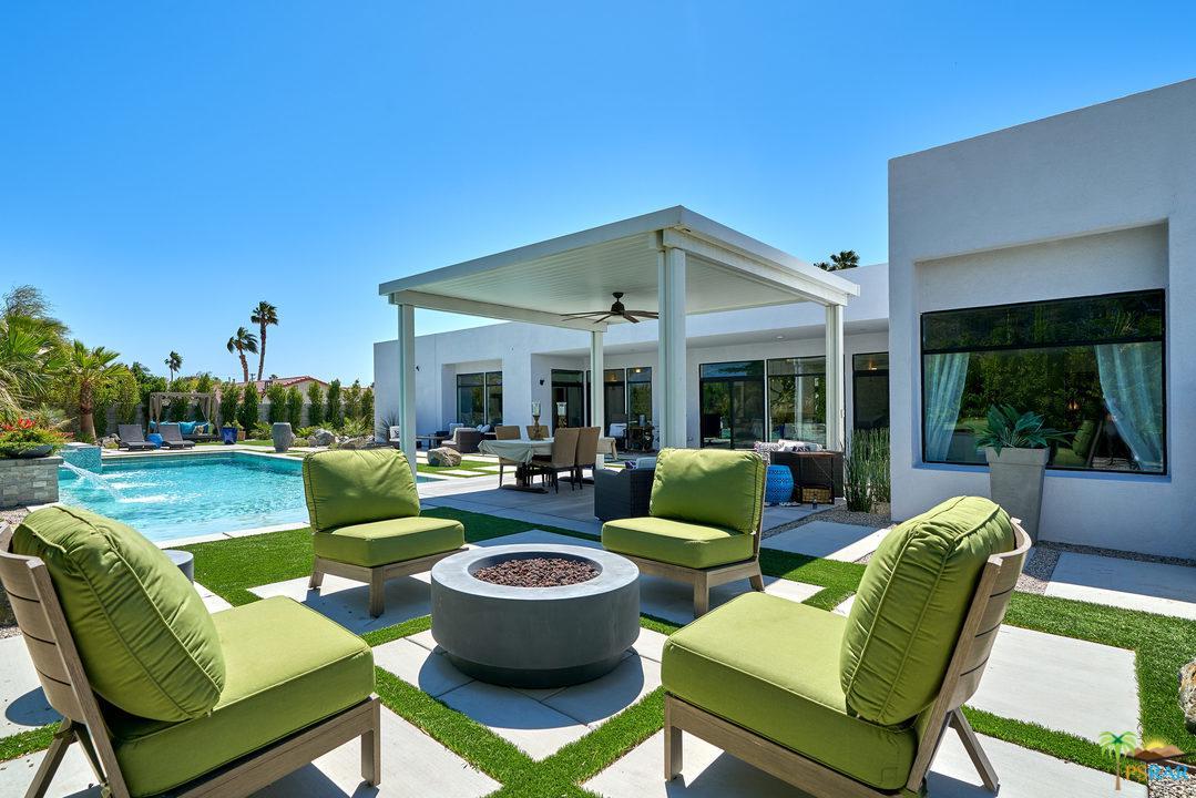 2466 East Desert Park Avenue Palm Springs, CA 92262