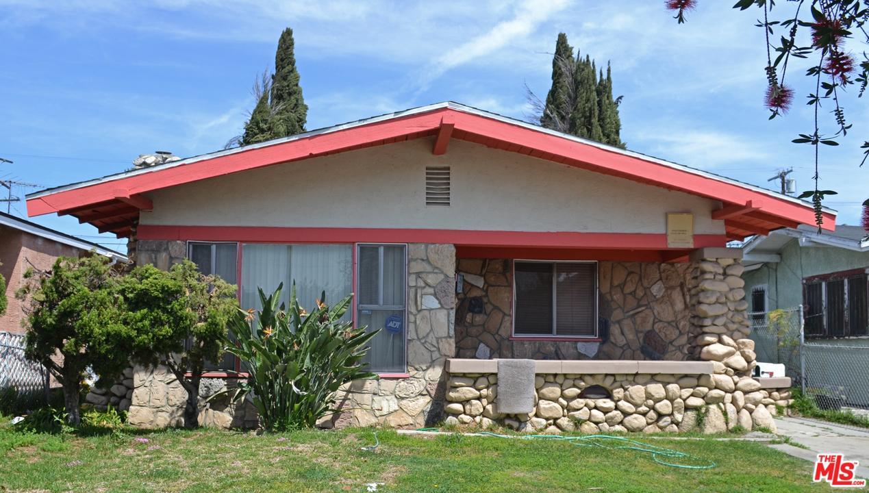 1209 West 54th Street Los Angeles, CA 90037