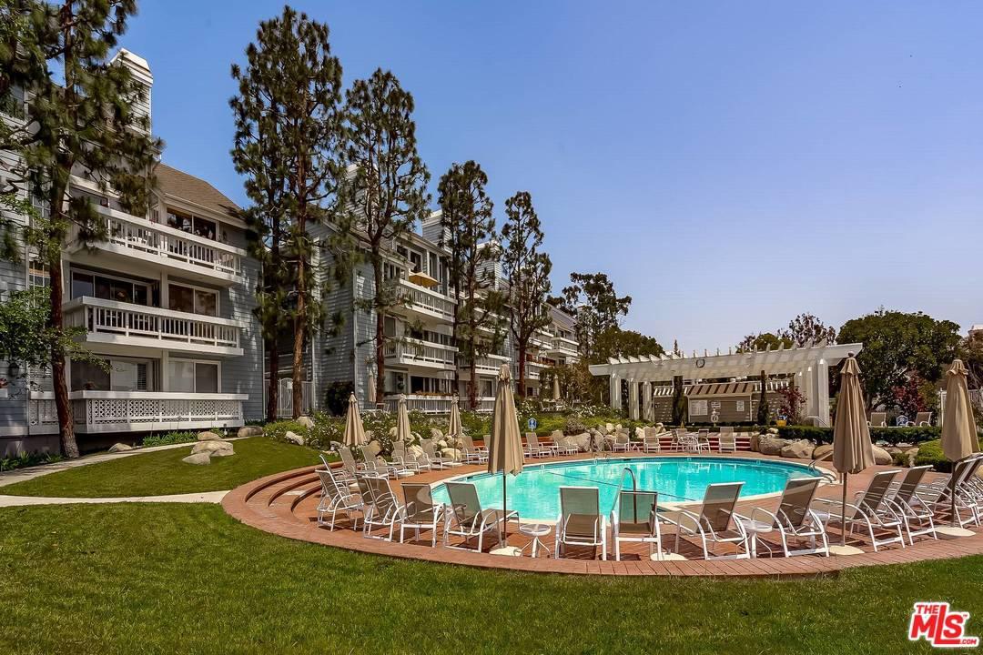 13080 MINDANAO Way, Marina Del Rey, California
