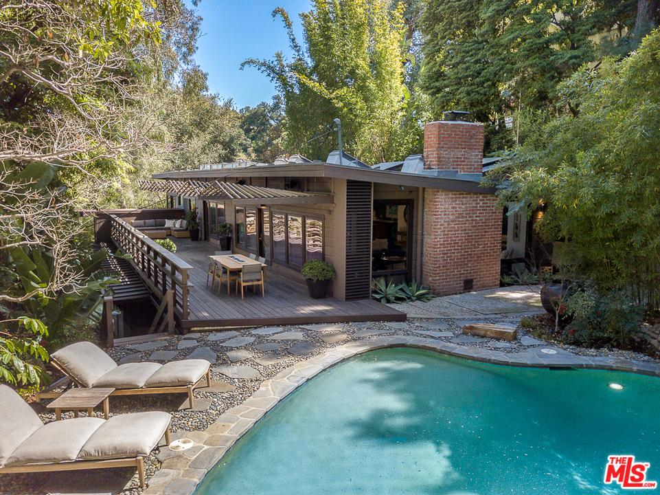 3574 Multiview Drive Los Angeles, CA 90068