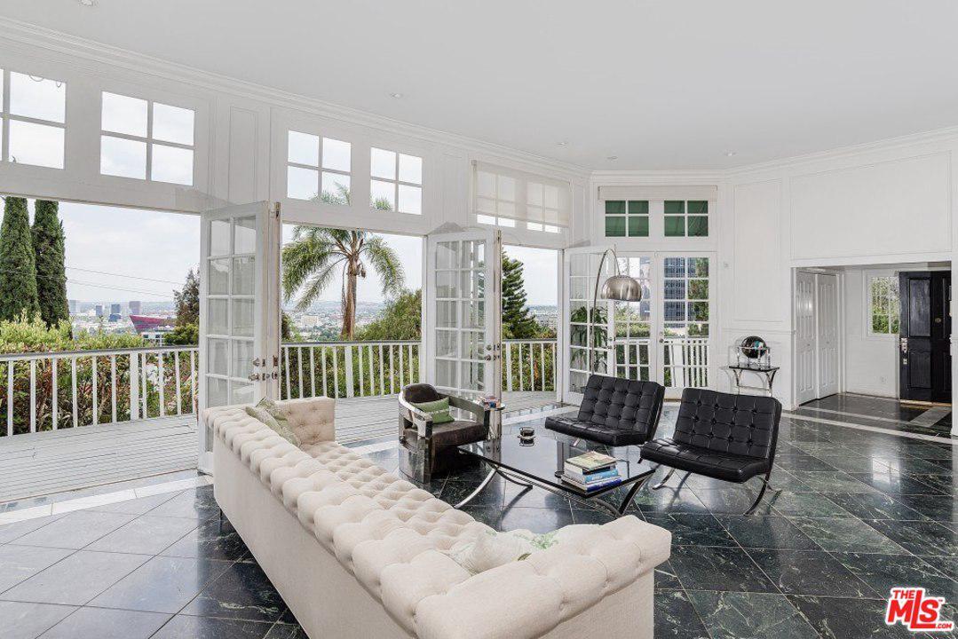 1240 North Hilldale Avenue Los Angeles, CA 90069
