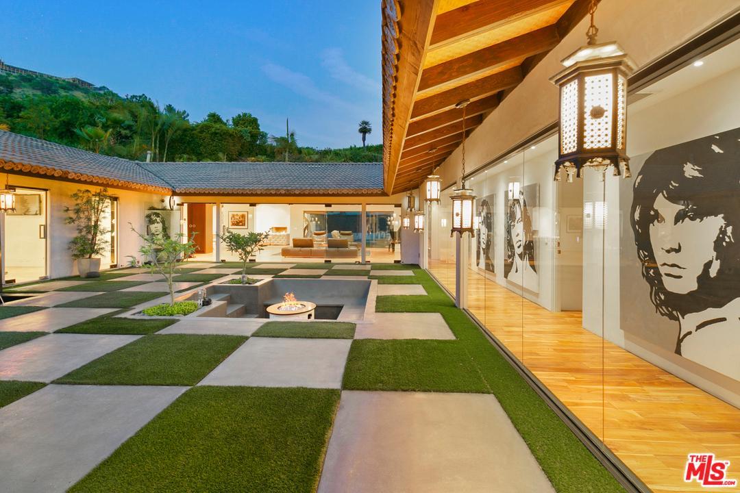 1240 LOMA VISTA Drive, Beverly Hills, California