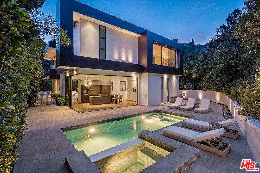 1424 Rising Glen Road Los Angeles, CA 90069