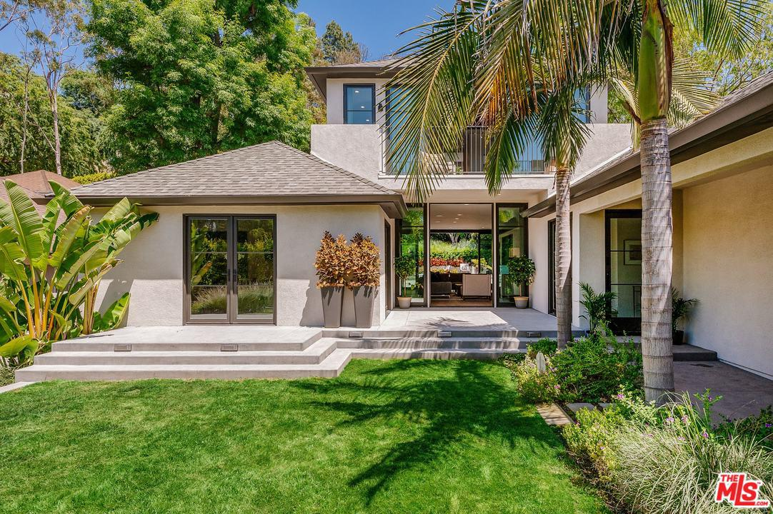 2556 Park Oak Drive Los Angeles, CA 90068