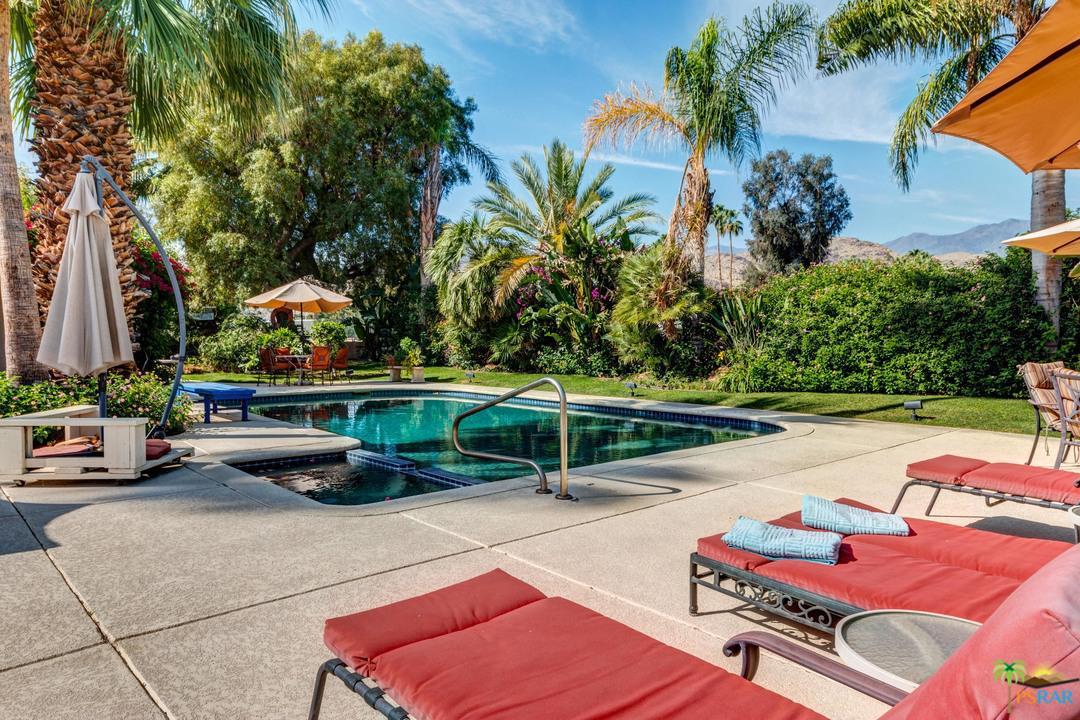 5200 Menlo Circle Palm Springs, CA 92264