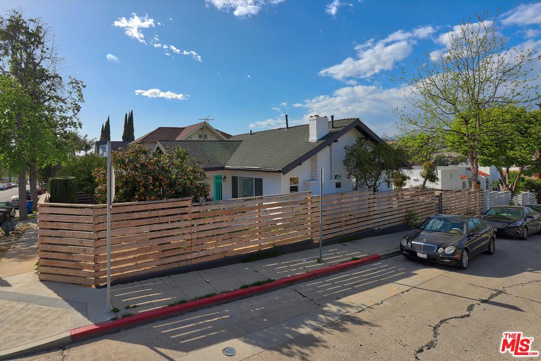5637 Hub Street Los Angeles, CA 90042