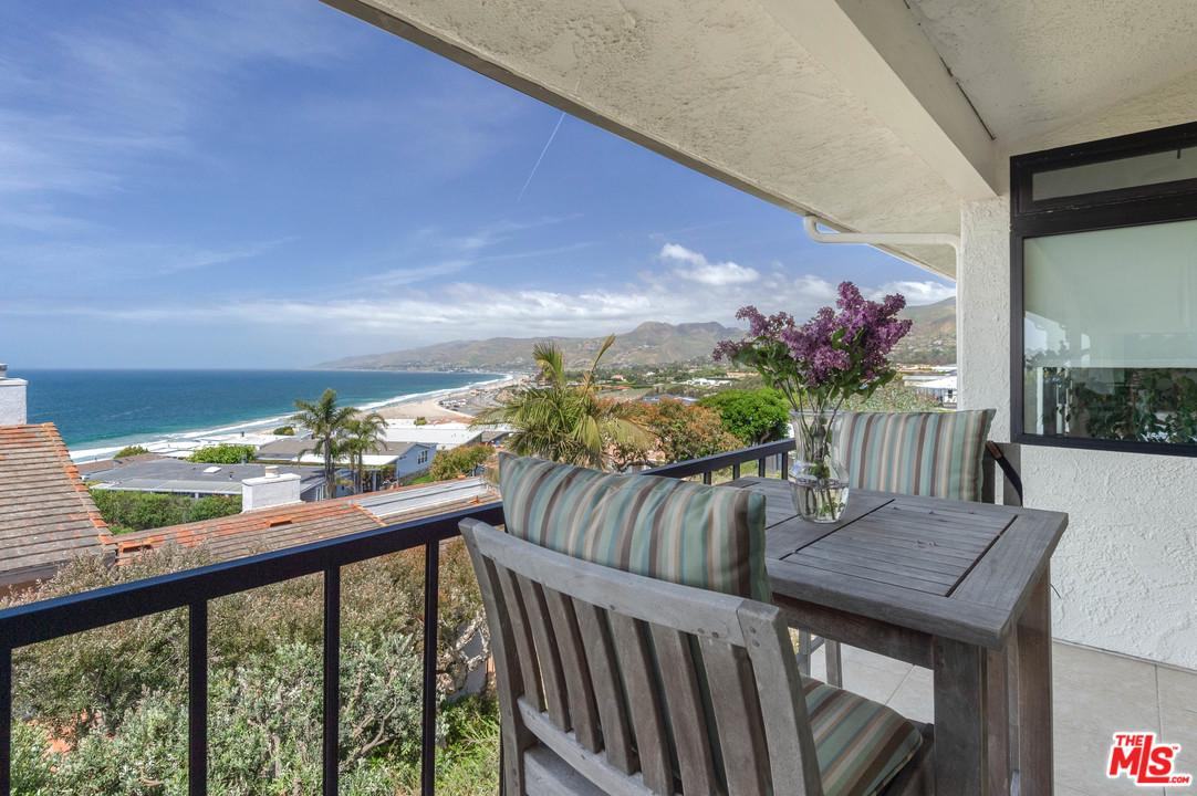 6767 LAS OLAS Way, one of homes for sale in Malibu Canyon