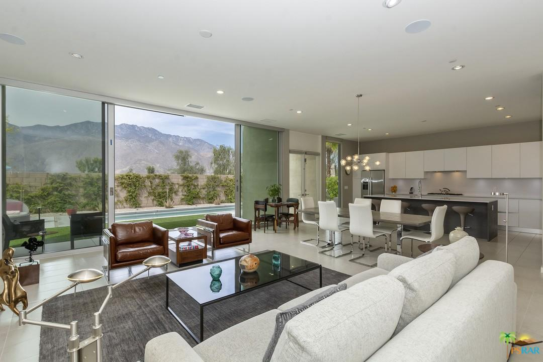 541 Skylar Lane Palm Springs, CA 92262