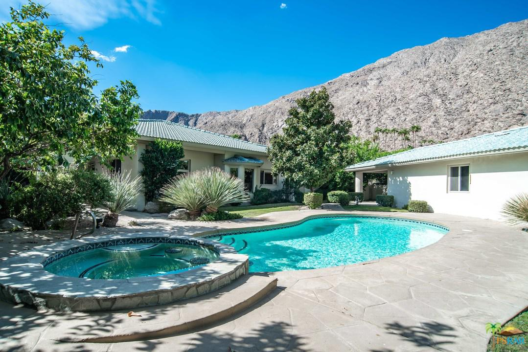 588 Camino Calidad Palm Springs, CA 92264