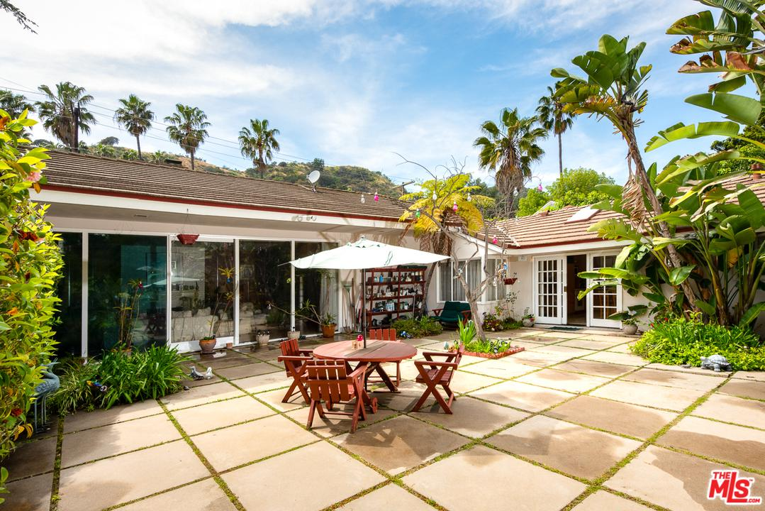 1902 COLDWATER CANYON Drive, Beverly Hills, California