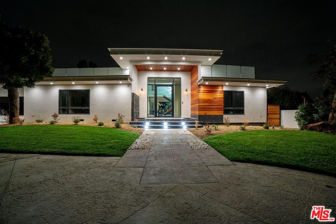 17201 Albers Street Encino, CA 91316