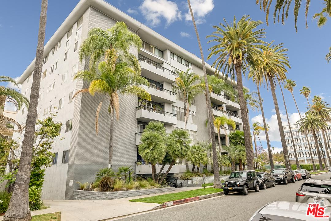 121 South PALM Drive, Beverly Hills, California