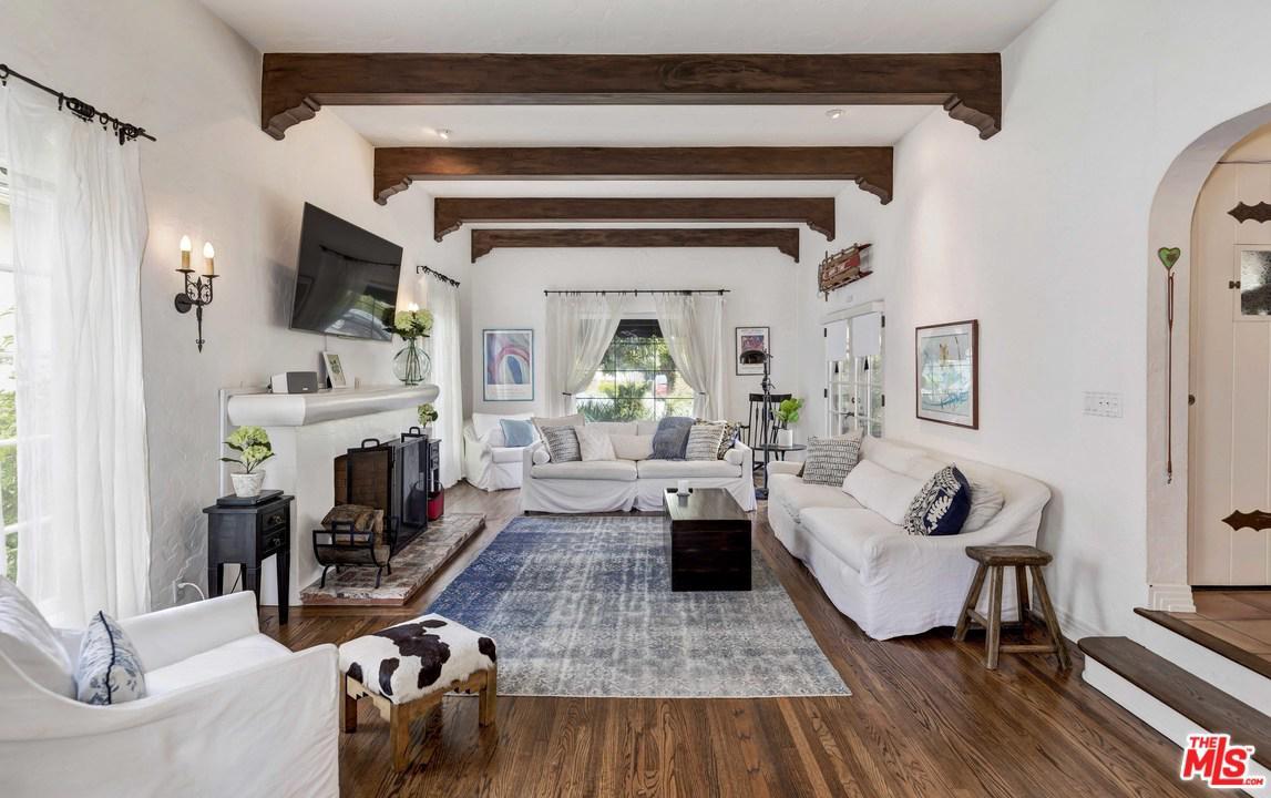 1711 Ensley Avenue Los Angeles, CA 90024
