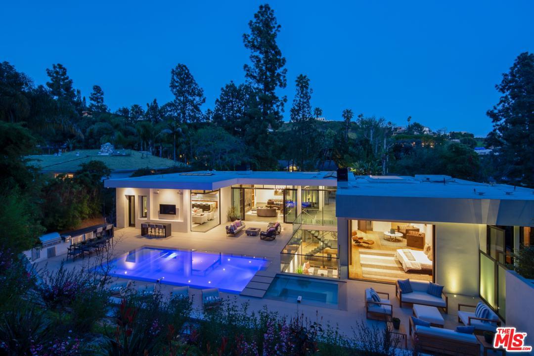 1049 LOMA VISTA Drive, Beverly Hills, California