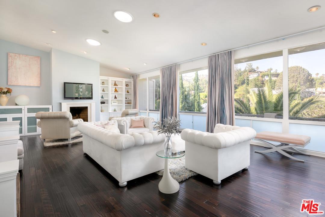 1153 Sunset Hills Road Los Angeles, CA 90069