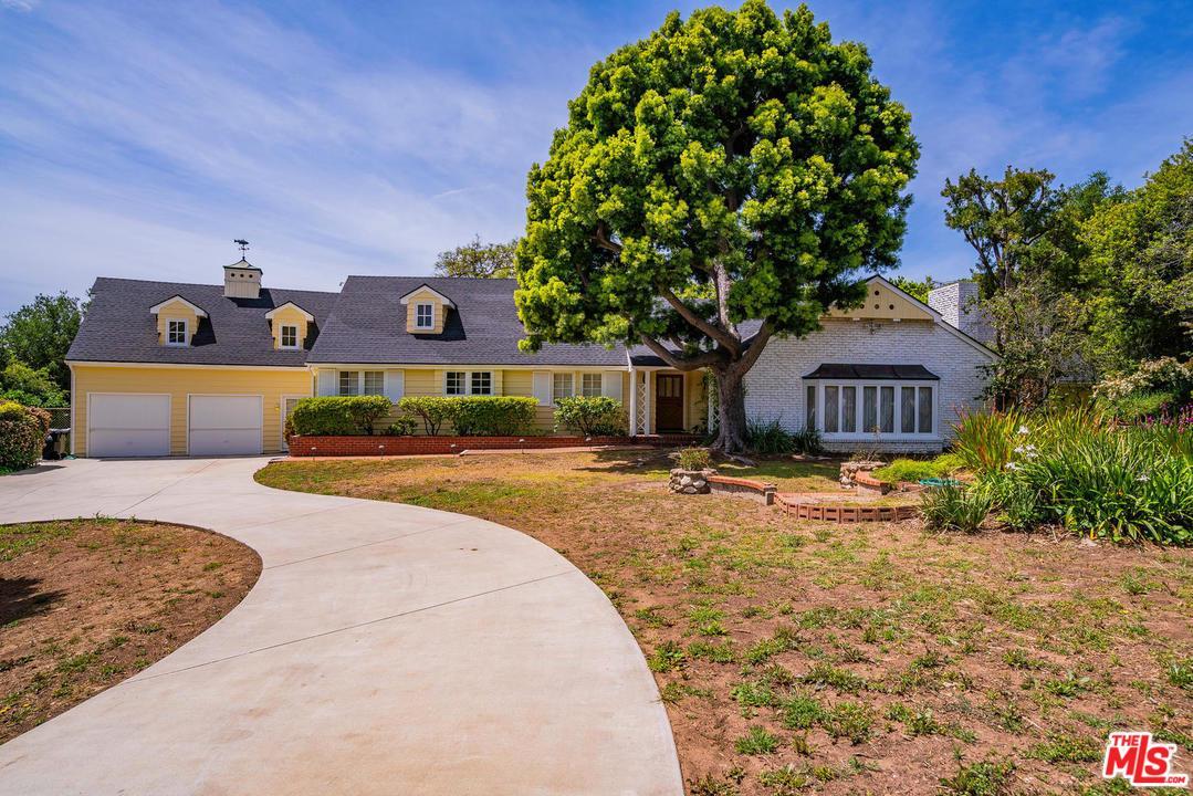 1536 Sorrento Drive Pacific Palisades, CA 90272