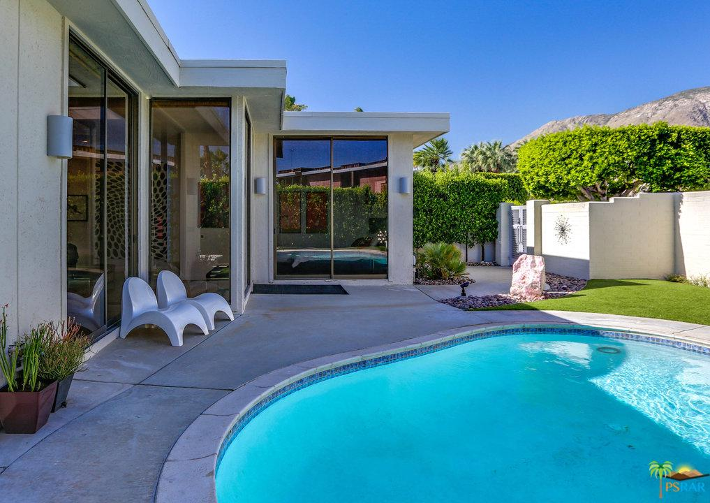 130 West Racquet Club Road Palm Springs, CA 92262