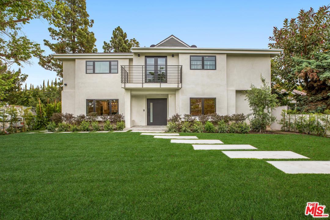 602 South Lucerne Boulevard Los Angeles, CA 90005