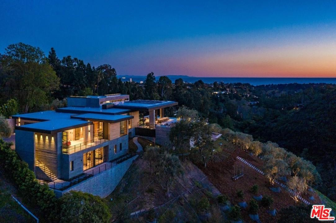 Cul de Sac property for sale at 1501 UMEO Road, Pacific Palisades California 90272