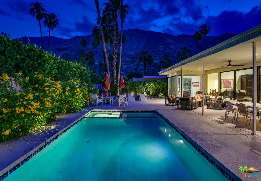 240 West Lilliana Drive Palm Springs, CA 92264