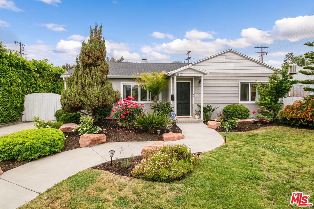 12507 Martha Street Valley Village, CA 91607