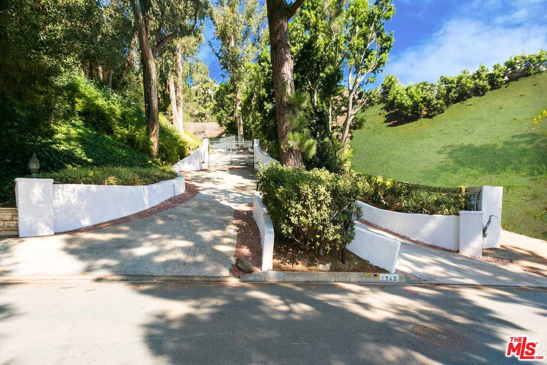 1242 LAGO VISTA Drive, Beverly Hills, California