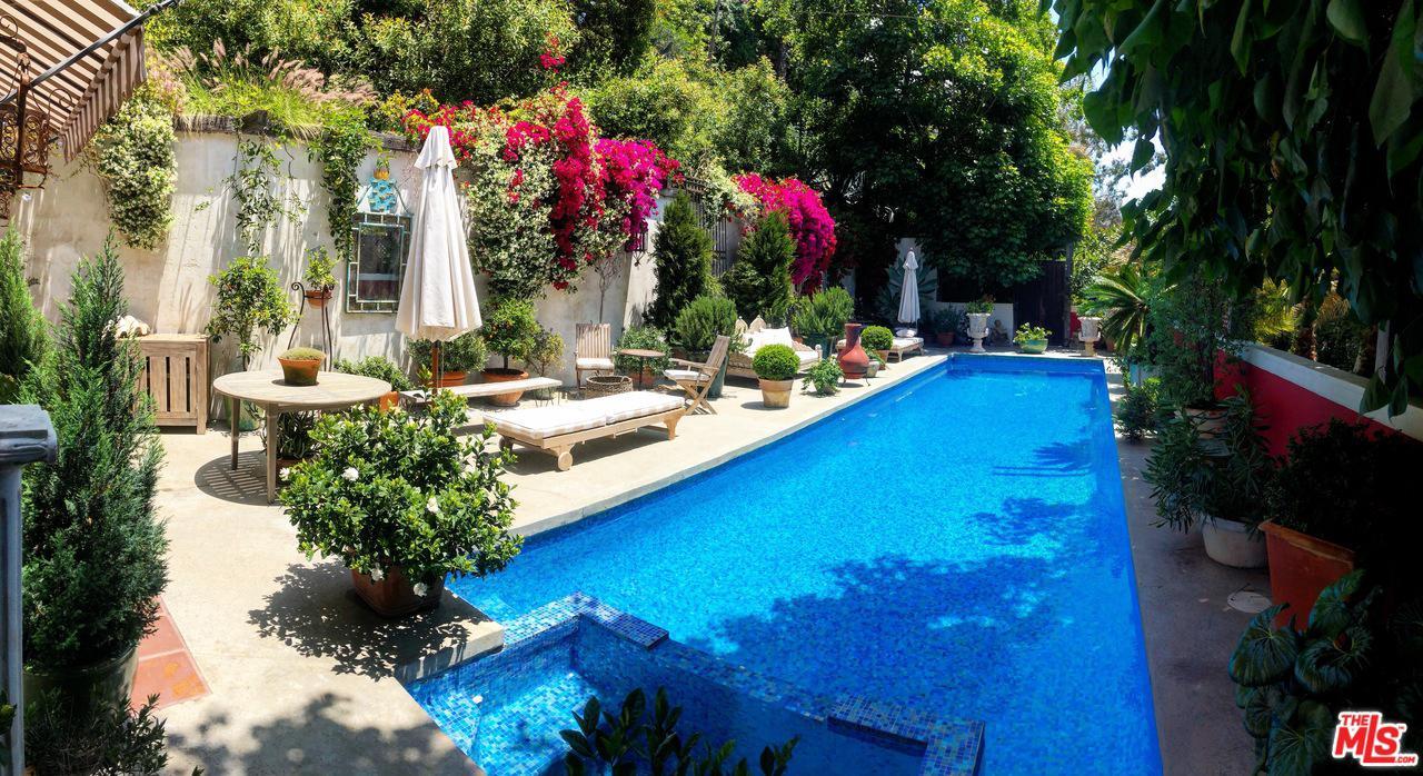 10051 CIELO Drive, Beverly Hills, California