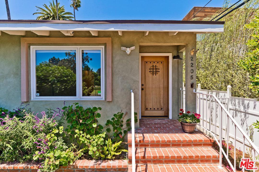 2205 Dewey Street Santa Monica, CA 90405