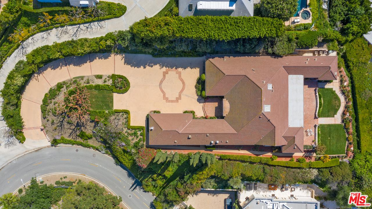 1140 SHADOW HILL Way, Beverly Hills, California
