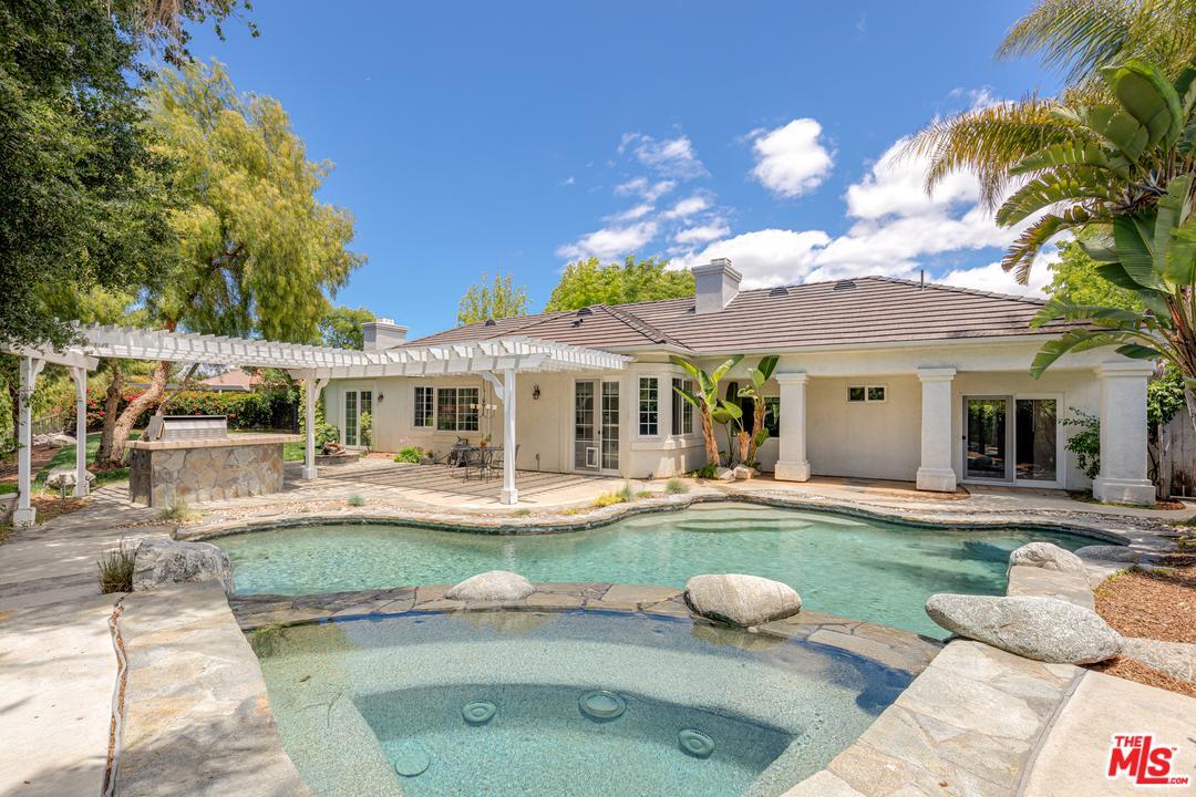 561 KALINDA Place, Thousand Oaks, California