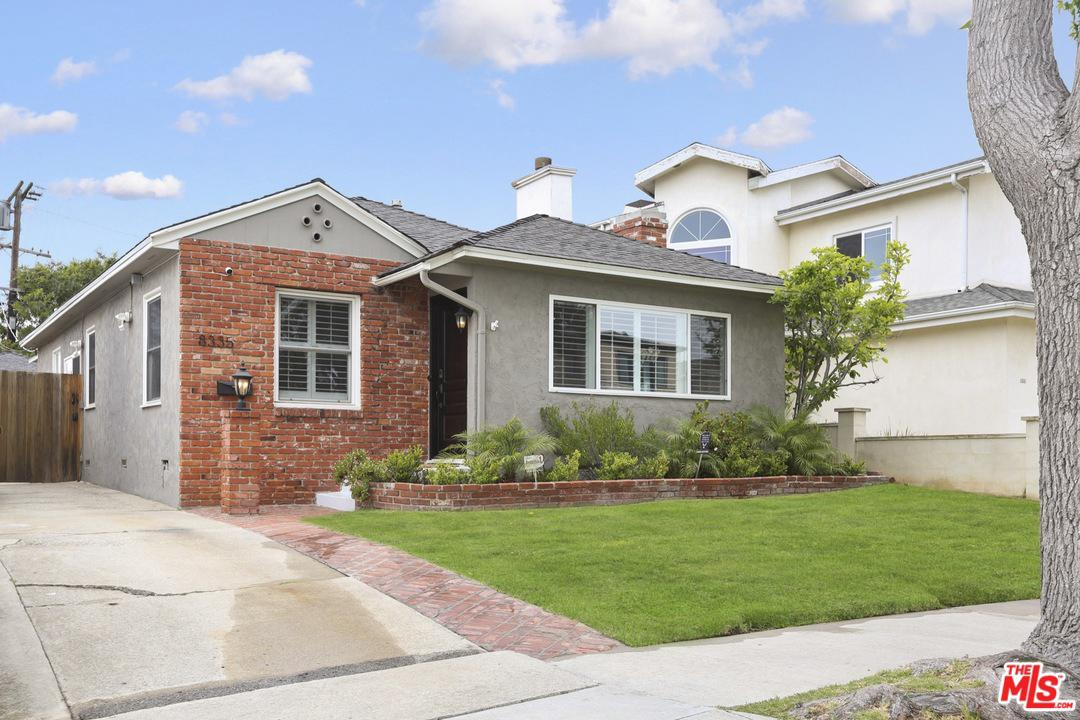 8335 Holy Cross Place Los Angeles, CA 90045