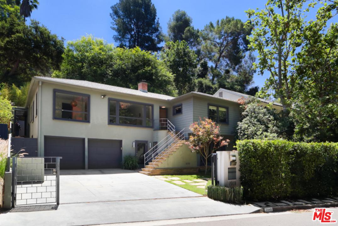 2940 North BEACHWOOD Drive, Hollywood Hills in Los Angeles County, CA 90068 Home for Sale