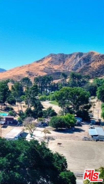 26129 Ravenhill Road Canyon Country, CA 91387